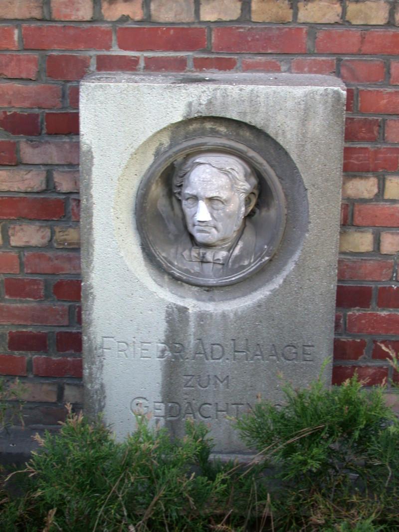 Gedenkstein Friedrich Adolph Haage 1995